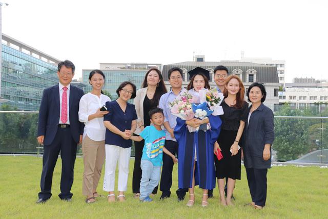 2019 08 23 Lee Rebecca Master Graduation 12.jpg