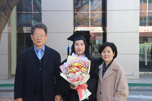 2020 02 20 Pauline Choi Graduation (95).jpg