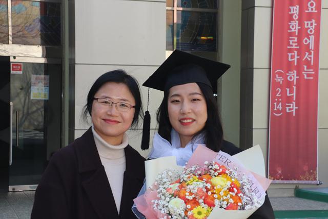 2020 02 20 Pauline Choi Graduation (91).jpg