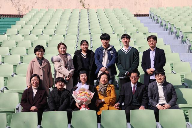 2020 02 20 Pauline Choi Graduation (75).jpg