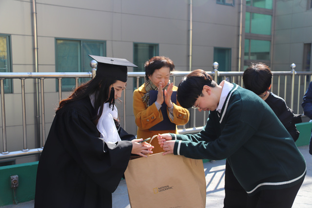 2020 02 20 Pauline Choi Graduation (84).jpg